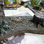 Weiteren bürsten mit noch helleren Farben und der Stamm wurde mit grüner Farbe verschönert