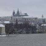 雪に包まれたプラハ