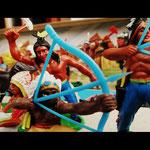 Indianer mit Pfeil und Bogen, VEB Spielzeugland