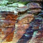 Eisenoxide färben die Steine