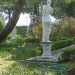 Statue im Vorgarten
