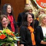Frühjahrskonzert 2013 - Ehrung der Dirigentinnen,  Petra Penz (1.v.l.) und Natalia Fischer (2.v.r.)