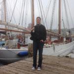 Flensburg am Hafen mit Fischbrötchen