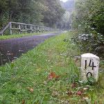 Pluwig. km_Stein 14,0 (ca 100 m vor der Eisenbahnbrücke Ebr km 14,1).
