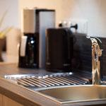 Frischer Kaffee oder Tee in unsrere Küche im Teldec Gebäude - Ferienwohnung Teldec