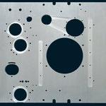 Stahlplatte mit einer hohen Bearbeitungskomplexität.