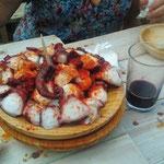 Pulpo a la Gallega - gekochte Krake mit pimentón (Paprikapulver)