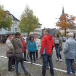 .. am Marktplatz, im Hintergrund die Evangelische Kirche.. (Foto:D.Mathes)