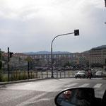 Aankomst in de havenstad Kavala met het iconische aquaduct van de stad.