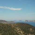 Great view towards Akrathi and Arkadi islands north of Milos