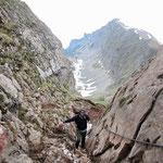 Climbing down © Laura Tiemann