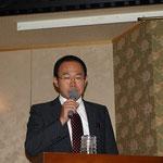 ロングスパンの開発の経緯とこれまでの実績を説明する加賀山社長