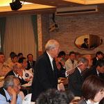 会場から質問される元高知県橋梁会会長の村山保先生