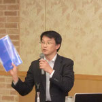 神鋼建材工業(株)の仲岡氏による「防護柵と防災製品の開発」の講演