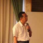北上川と石巻の被災状況を説明する林哲也会員