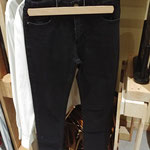 pantalon slim noir T36 - 3€