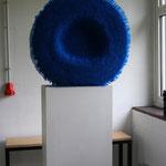 Blaues, Plastikhalme, ca 24 x 50cm, 2008