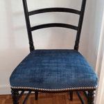 Réfection complète chaise style Napoléon III - Tissu velouré - Clous décoratifs nickelé d'Houlès