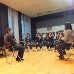 山本正治さんからブラスバンドの生徒たちへのクラリネットレッスン。