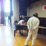 当法人メンバーの調律師 執行さんがピアノの調律をしてくださいました。