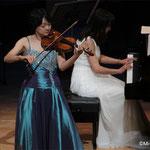 ヴァイオリン:川田知子さん、ピアノ:安宅薫さん