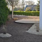 Terrasse bord arrondi - Conception Anne Lavorel - Réalisation Atelier du paysage