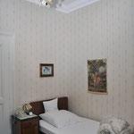 """Zimmer """"12"""" (8), Hotel Grunewald, Digitale Sammlung Museum Bad Nauheim, stellvertretend Beatrix van Ooyen, Foto: Jürgen Wegener, Bad Nauheim"""