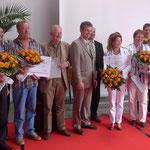 Jurymitglieder und Teilnehmer an der Bewerbung für den Umweltpreis