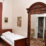 Zimmer 1, Hotel Grunewald, Digitale Sammlung Museum Bad Nauheim, stellvertretend Beatrix van Ooyen, Foto: Jürgen Wegener, Bad Nauheim