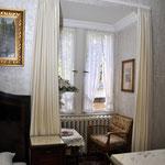 """Zimmer """"14"""" (6), Hotel Grunewald, Digitale Sammlung Museum Bad Nauheim, stellvertretend Beatrix van Ooyen, Foto: Jürgen Wegener, Bad Nauheim"""
