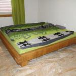 Bett aus massiver Eiche