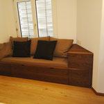 Nussbaum Sitzbank, zum Bett umfunktionierbar