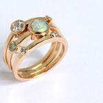 bague or rouge, diamants et cabochon opale du Brésil