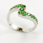 bague or blanc, tsavorites
