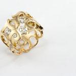 bague or jaune , diamants taille ancienne