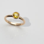 bague or rouge saphir jaune