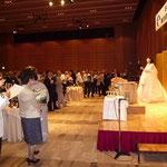 オペラ歌手・加藤江美さんによる乾杯の歌、サマータイム、ザ・サウンドミュージック、涙そうそう、地上の星、故郷などが披露された。
