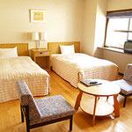 広島YMCA 宿泊 研修 合宿 ヴォーリスロッジ洋室