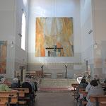 In der neu renovierten Kirche