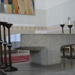 Altar und Alarleuchter
