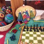 Fiklzspiele von den rumänischen Filzdesignern Emese und Imre Kovacs