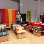 Teppiche , Decken, Pölster der Grazer Handweberin Edda Ruckenbauer
