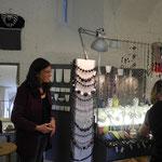 Barbara Kaiser präsentiert  Gebrauchskeramik, Keramikschmuck  und keramische Kleinteile zur Schmuckgestaltung