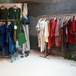Leineng'wand der Textildesignerin Gerda Kohlmayr