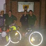 Mit dem Fahrrad nach Berlin: Pierre und Julien mit Heiko Fichte und Stephan Hennies