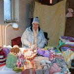 Rosemarie Stümpel bietet Selbstgemachtes an