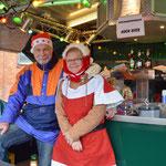 Karin Franke und Klaus Specht versorgten die Gäste mit heißer Plaume mit Zimt und Sahne