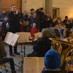 Die Bläserklasse der Albert-Einstein-Schule in Laatzen spielten unter der Leitung von Herrn Haupt einige Weihnachtslieder