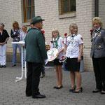 Der Schützenverein Oesselse zu Besuch bei Schülerkönigin Lea und Jugendkönigin Anna Holzapfel