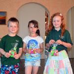 Sieger/innen beim Preisschießen für Kids: v.l. Max Abmeyer, Mia Hajek, Clara Nomrowski
